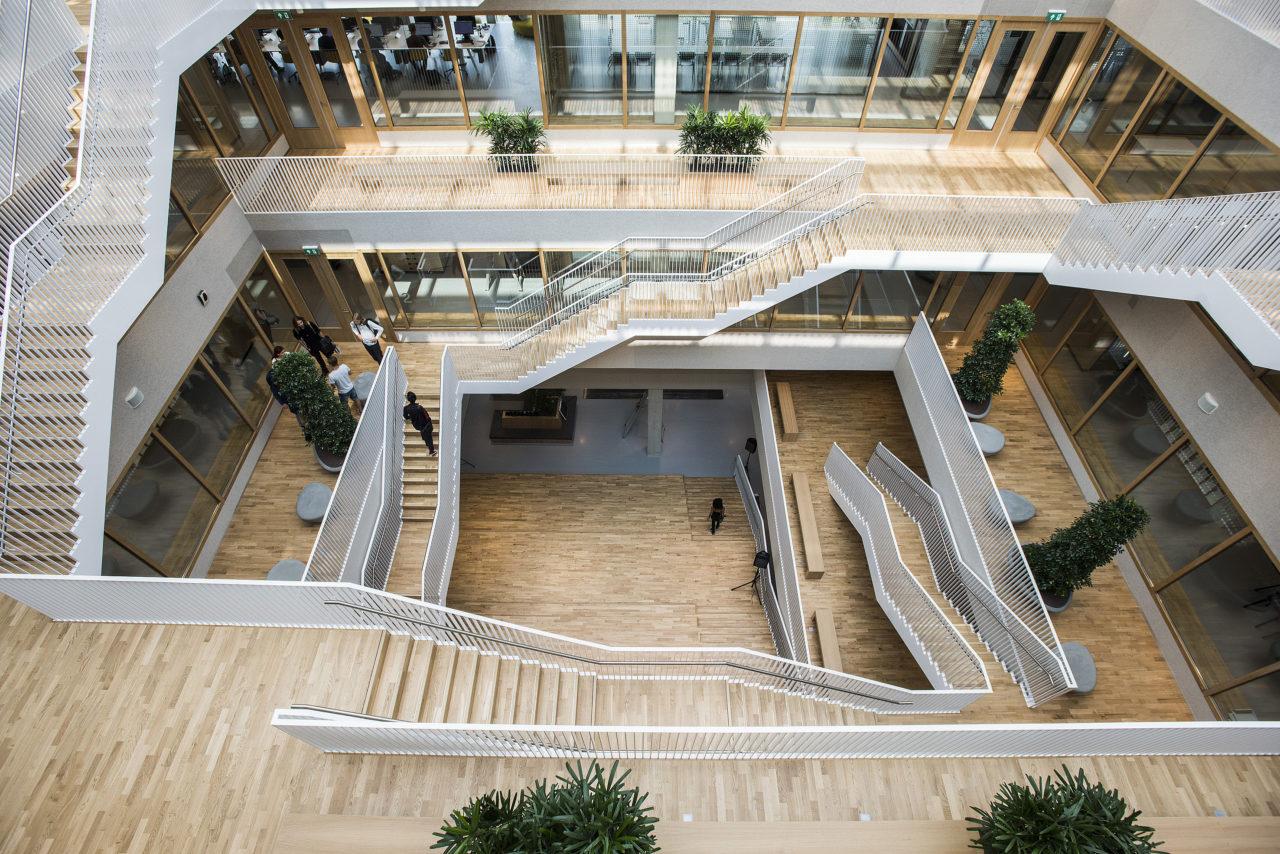 Polakgebouw opening Escher