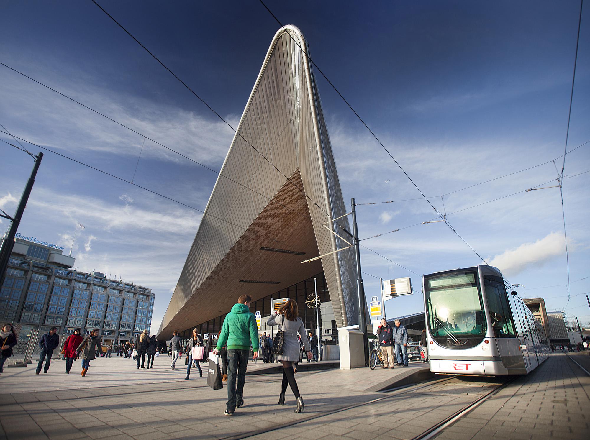 2014_Rotterdam_CS_tramhalte_CD