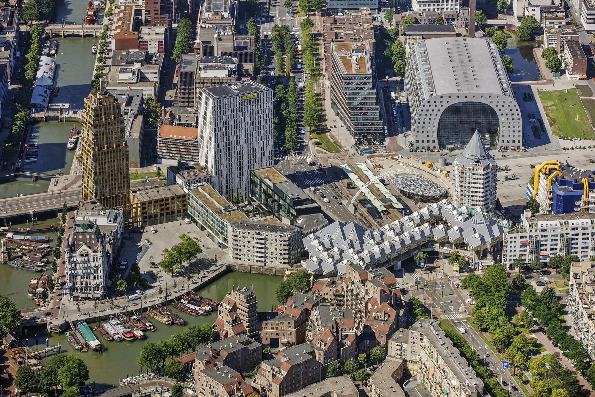 Rotterdam onbewolkt Peter Elenbaas 8