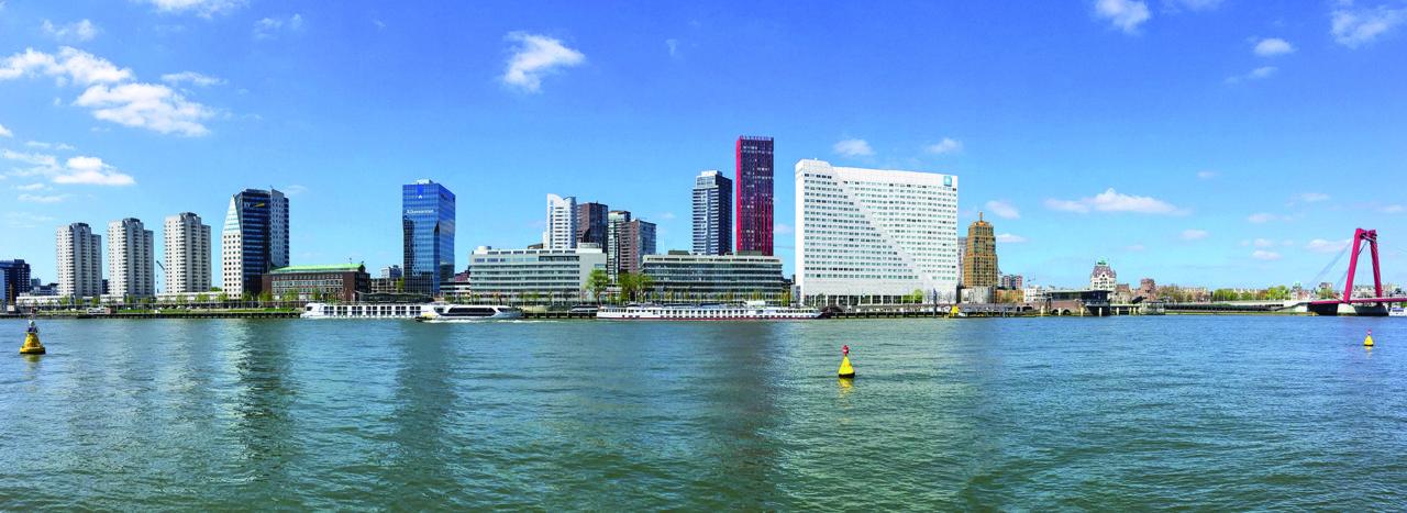 Skyline Rotterdam vanaf Noordereiland