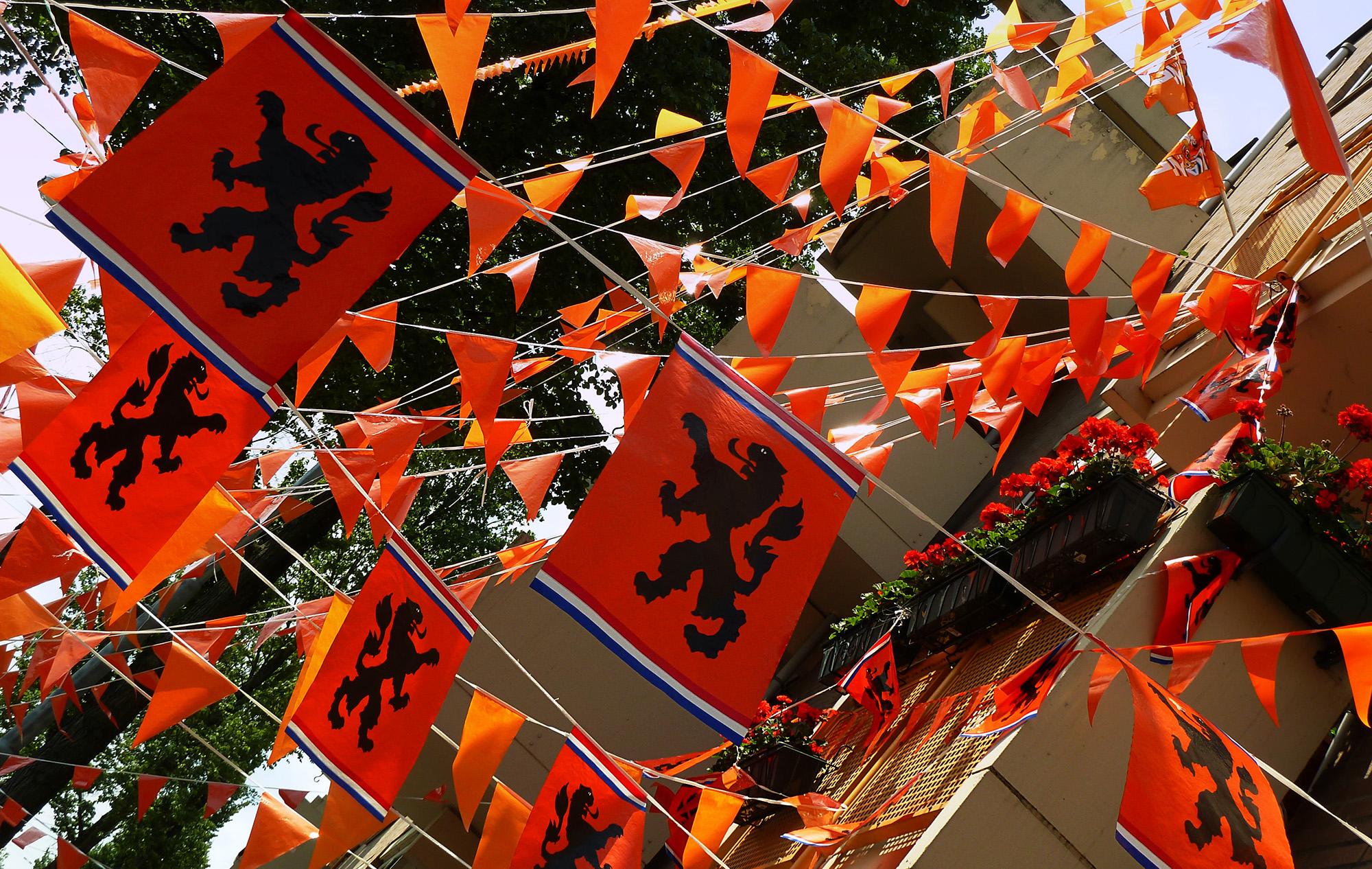 oranje-vlaggetjes