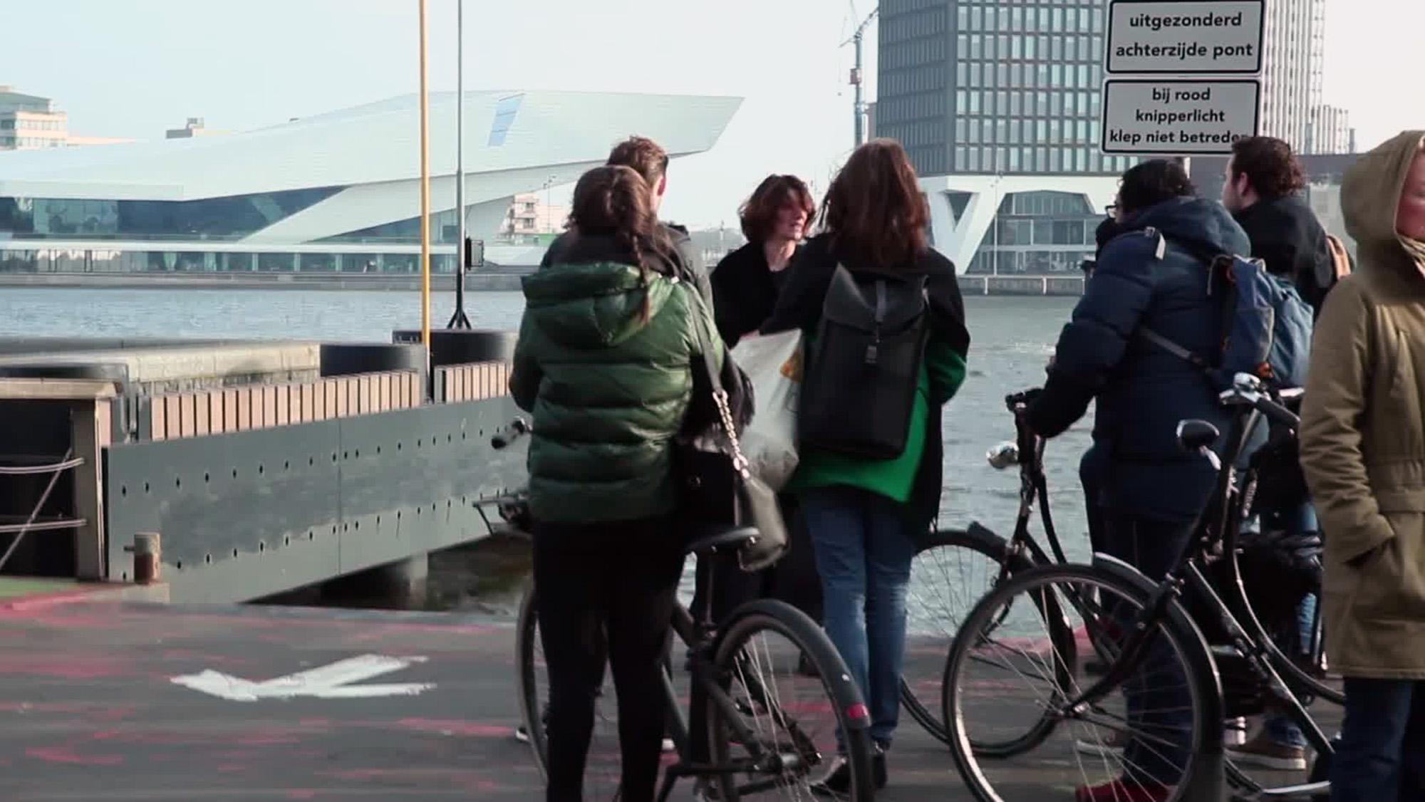 still_thea hilhorst bij pontje amsterdam