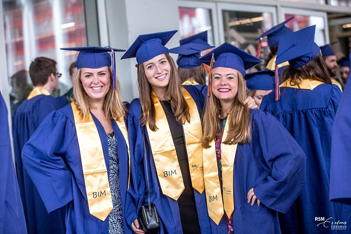 rsm-graduates-hoogopgeleid-diploma-geslaagd-afgestudeerd