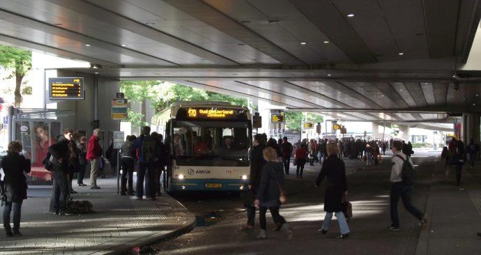 Vertrek_busplatformen_bij_Zuidplein