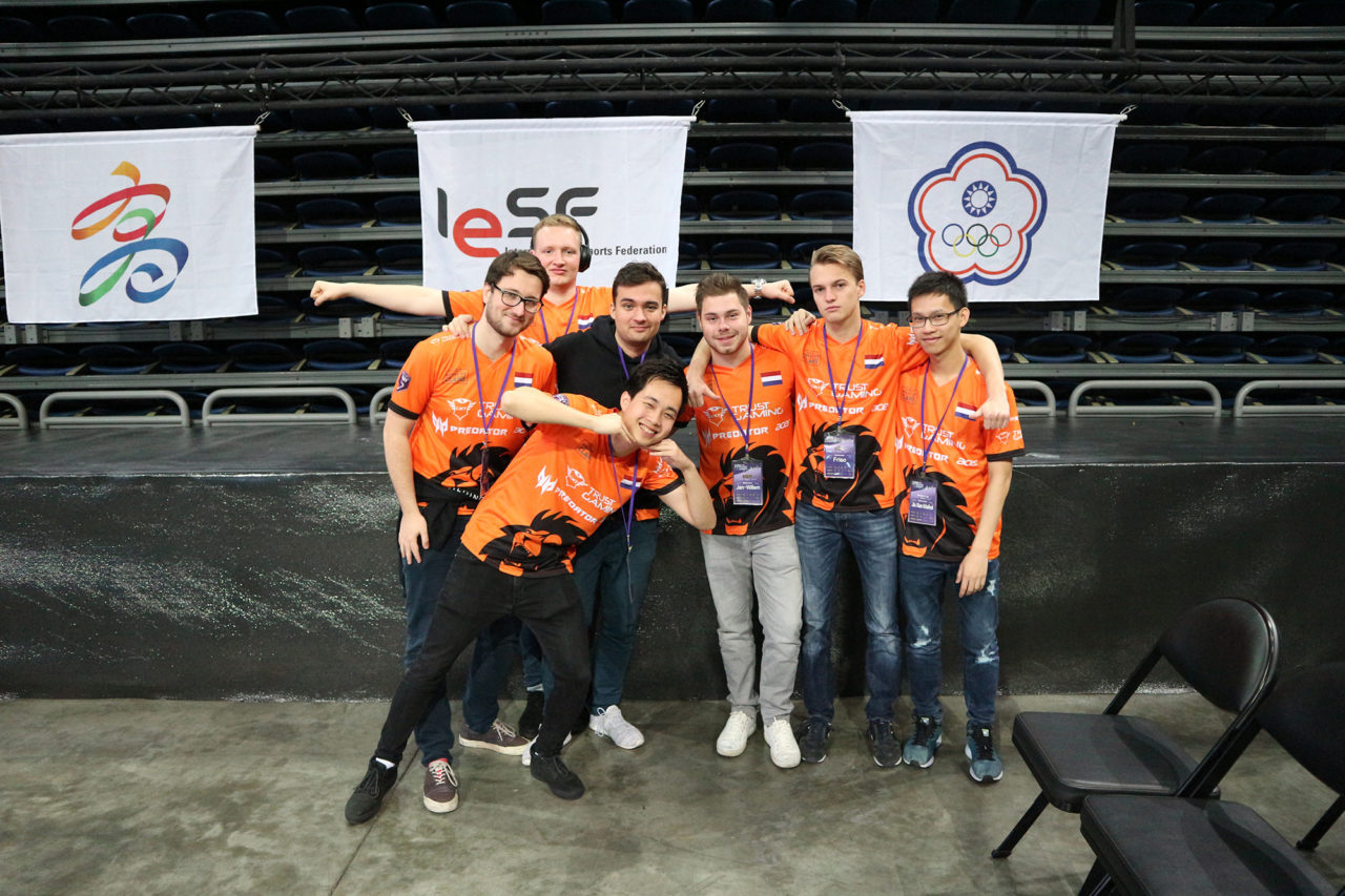 erasmus-esports-141118-Taiwan-League-of-Legends-14