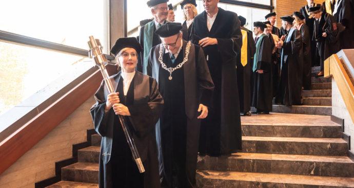 cortege-pedel-dies-2018-rector-hoogleraren-eredoctoraat-Ronald-van-den-Heerik