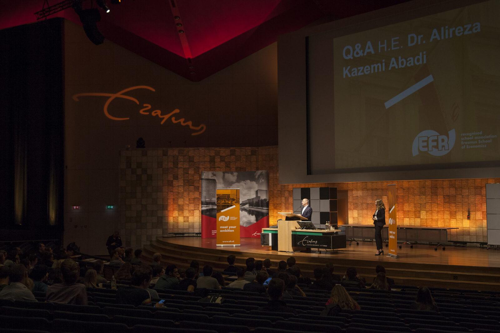iran ambassadeur kazem abadi irandeal Internationale Economie aula foto Amber Leijen (8)