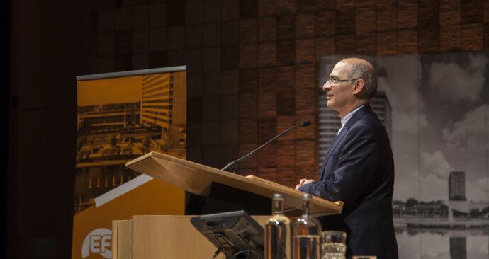 iran ambassadeur kazem abadi irandeal Internationale Economie aula foto Amber Leijen (9)