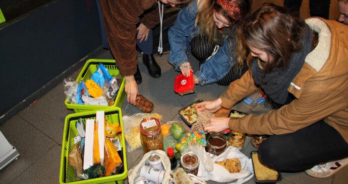 plastic attack campus supermarkt spar foto Milena (8)