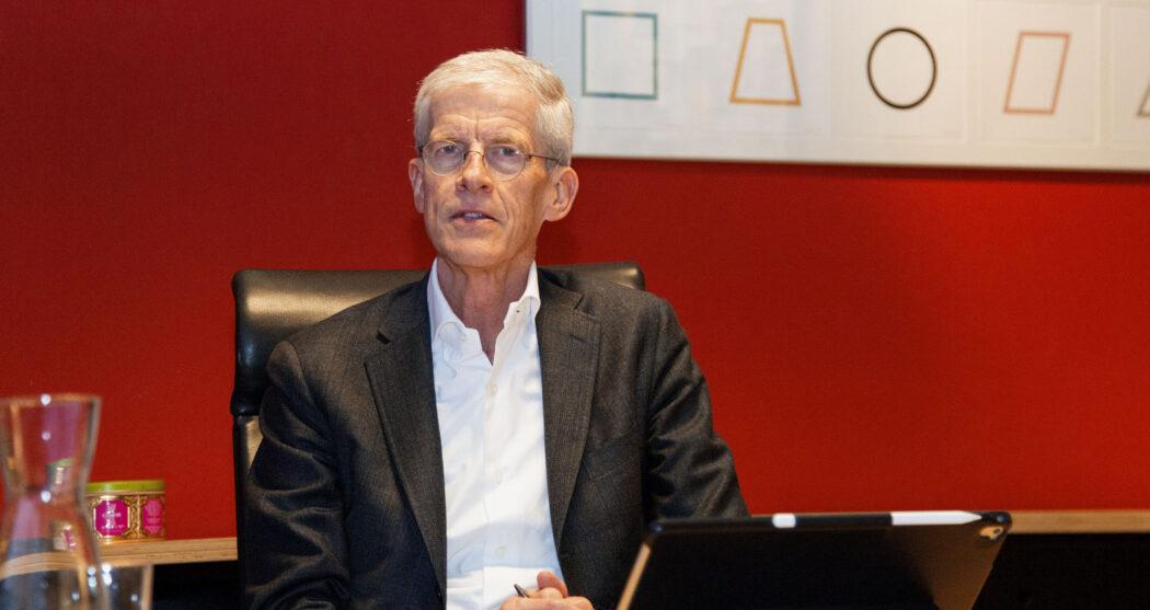 Hans Smits voorzitter college van bestuur 3 – Aysha Gasanova