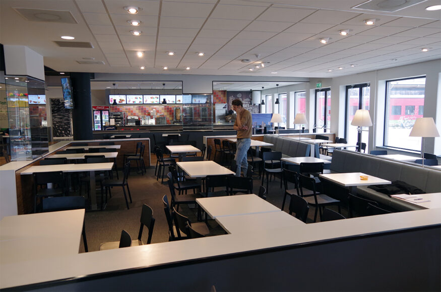 foodcourt leeg corona campus