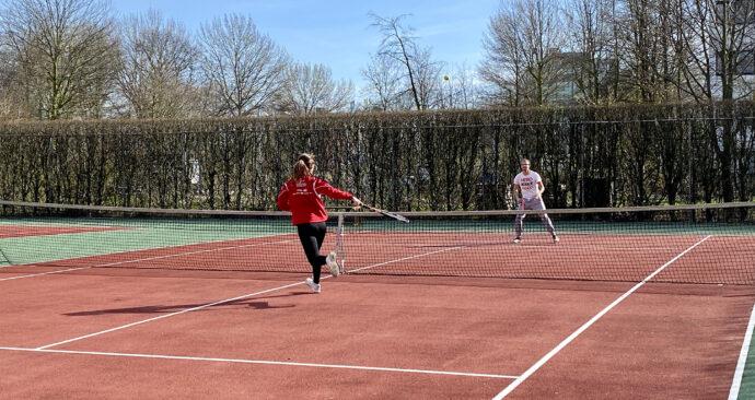 Tennis op de campus corona