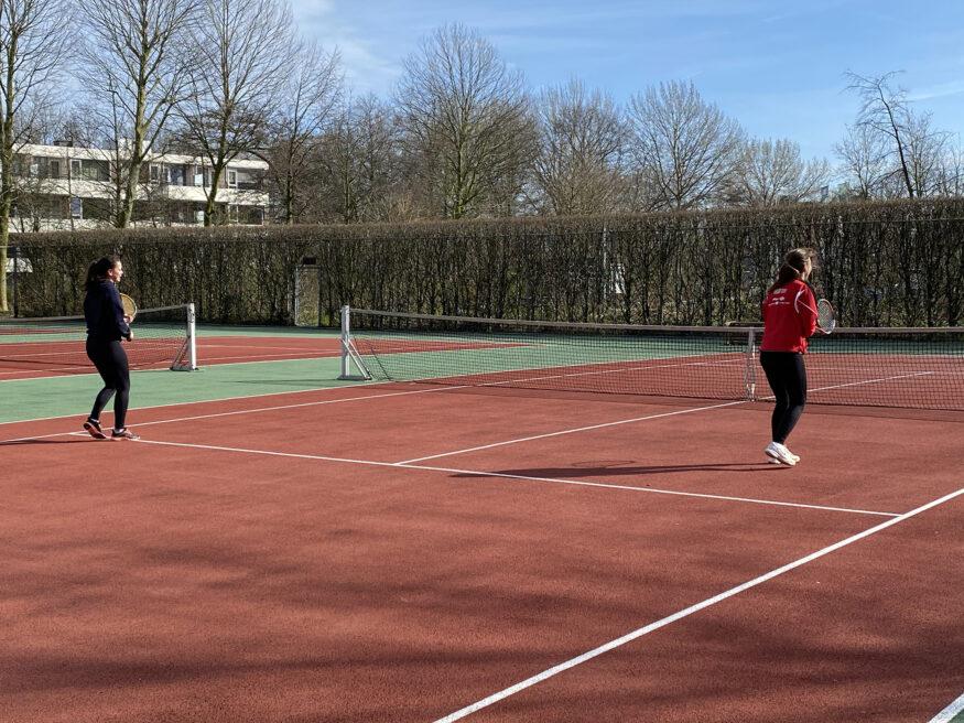 Tennis op de campu corona 2