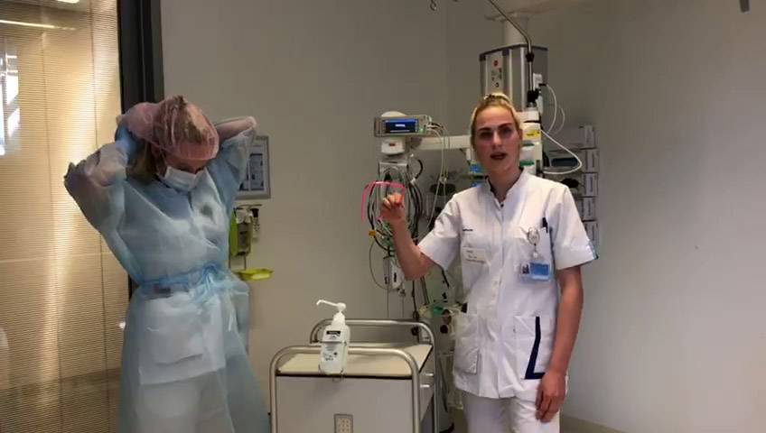 vlcsnap-britt mondkapje kleding intensive care corona