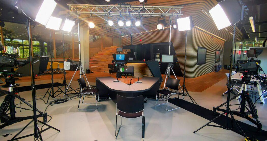 Achter de schermen bij Erasmus TV