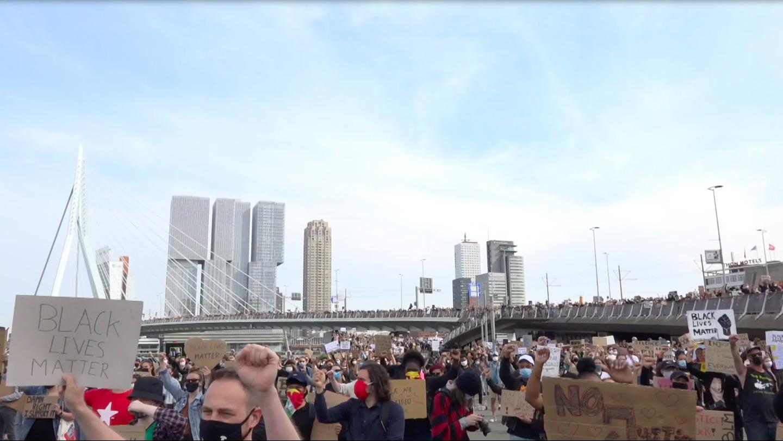Protest bij de Erasmusbrug