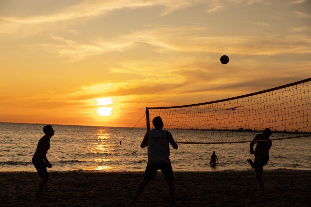 beachvolleyball unsplash photo by mitchell luo (EM)