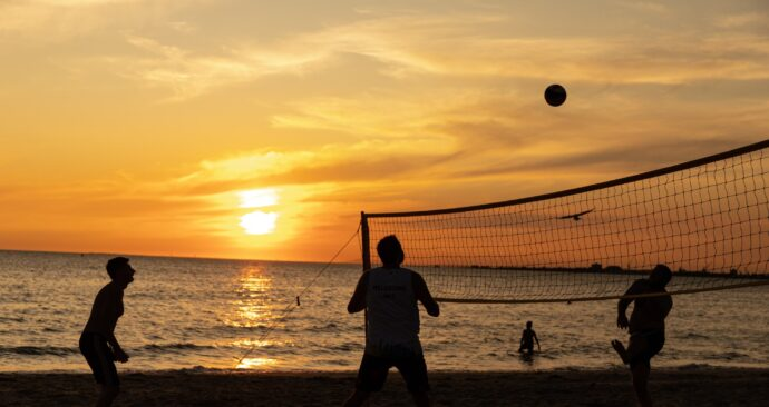 beachvolleyball unsplash photo by mitchell luo (EM)