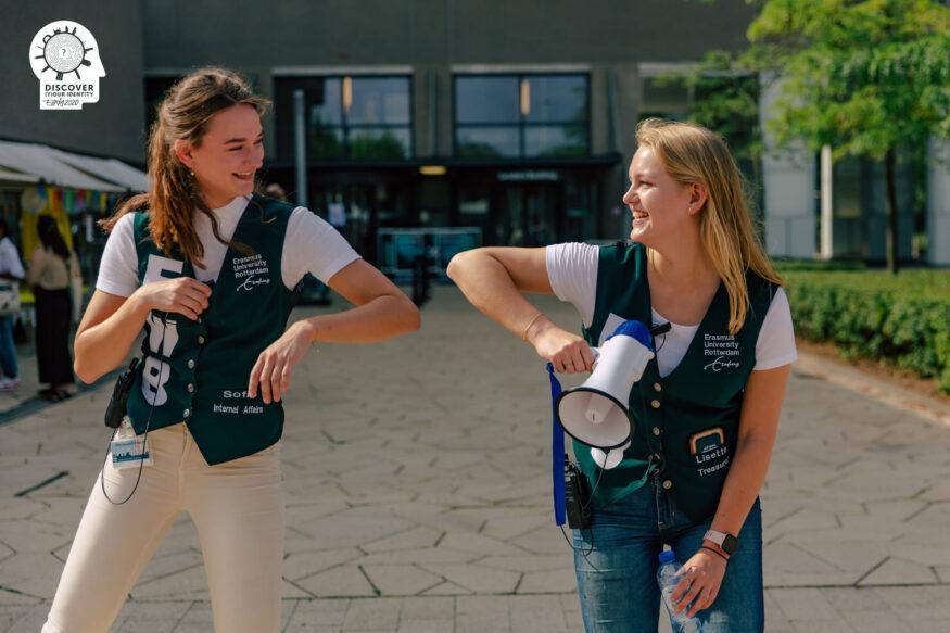 Eurekaweek 2020_ Sofia (internal Affairs) en Lisette (treasure)