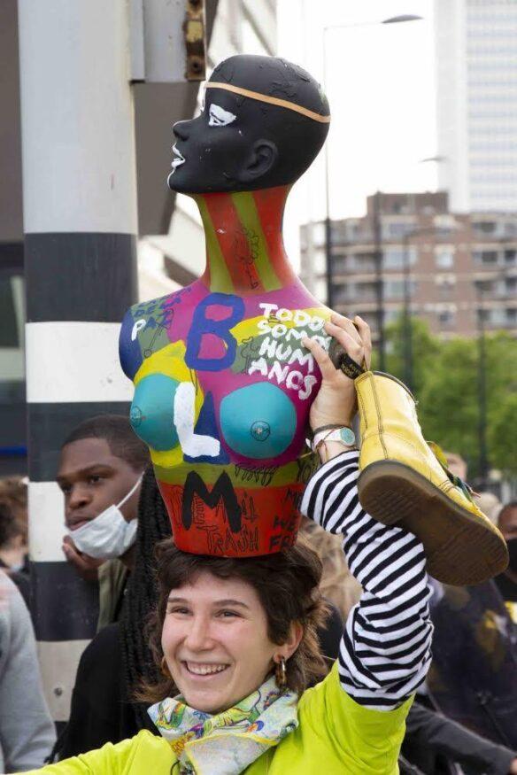Raquel tijdens het protest van 3 juni