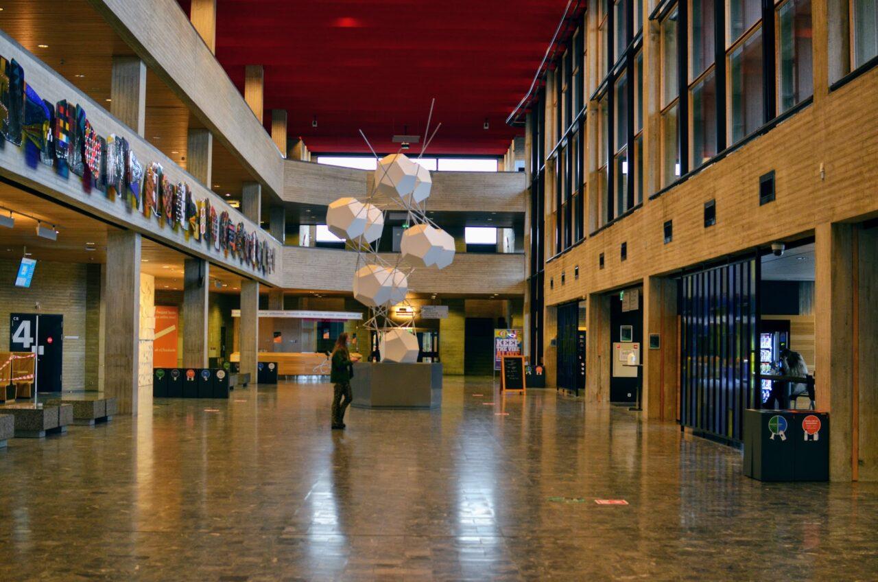 Herfst op de campus / Erasmus Universiteit / Theil / C hal / c-hal