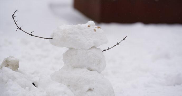campus in de sneeuw 08-02-2021 – sneeuwpop – Arie Kers