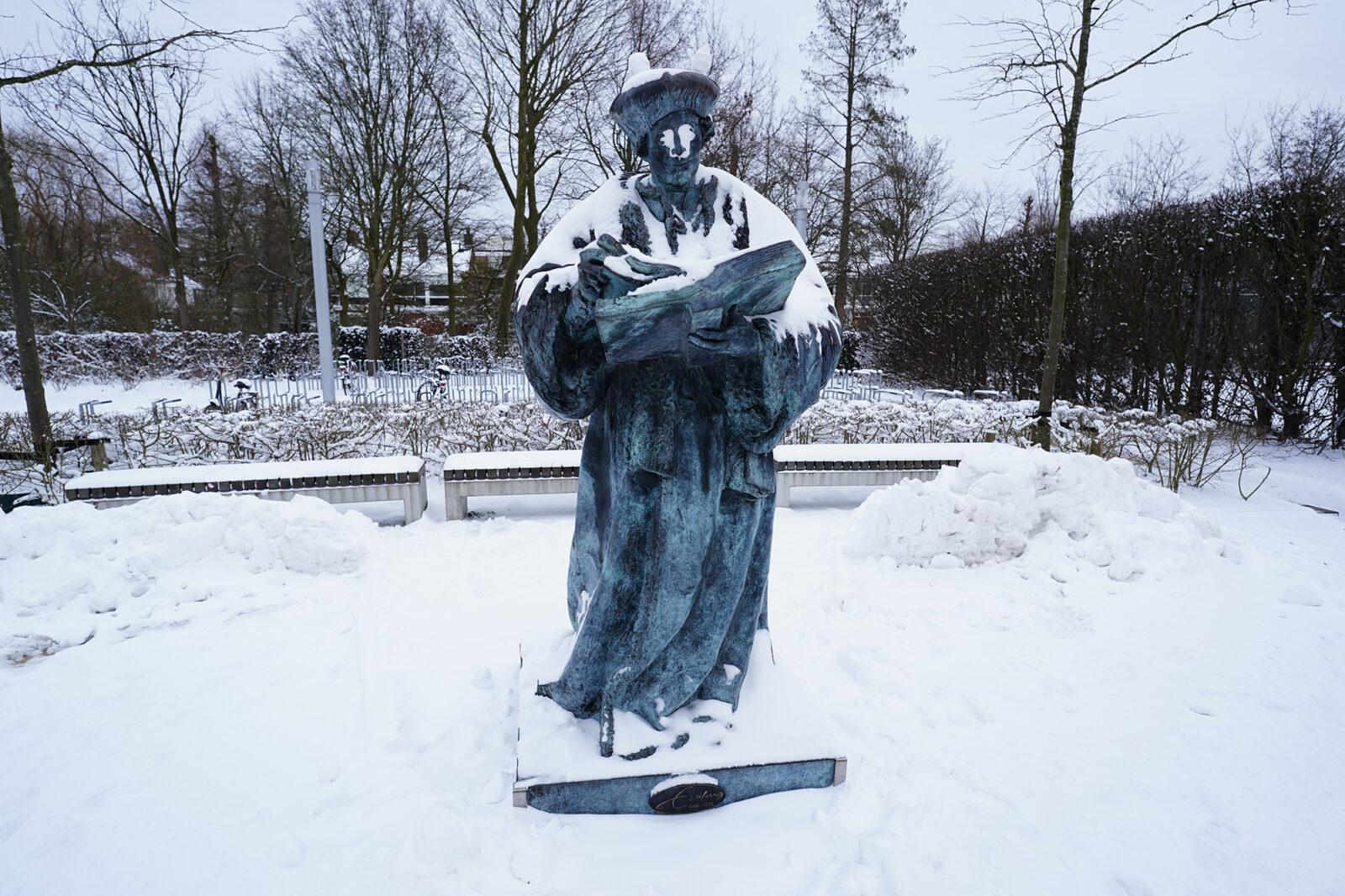 Campus in de sneeuw 08-02-2021 – Erasmusbeeld – Arie Kers