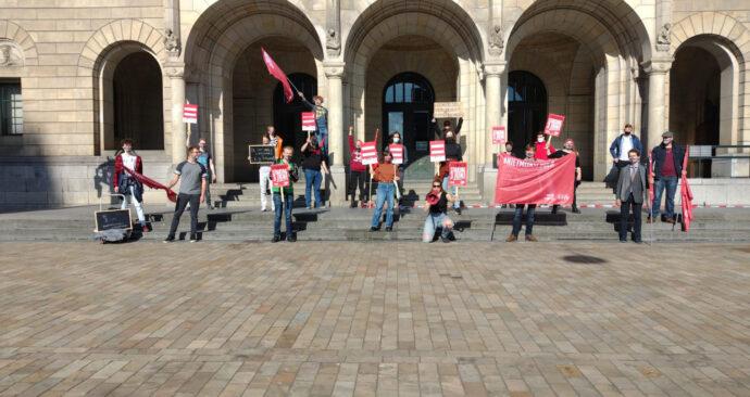 studenten demonstreren tegen leenstelsel stadhuis