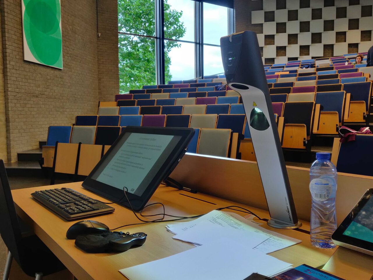 hybride college onderwijszaal laptop camera foto Wouter Sterernburg (4) (EM)