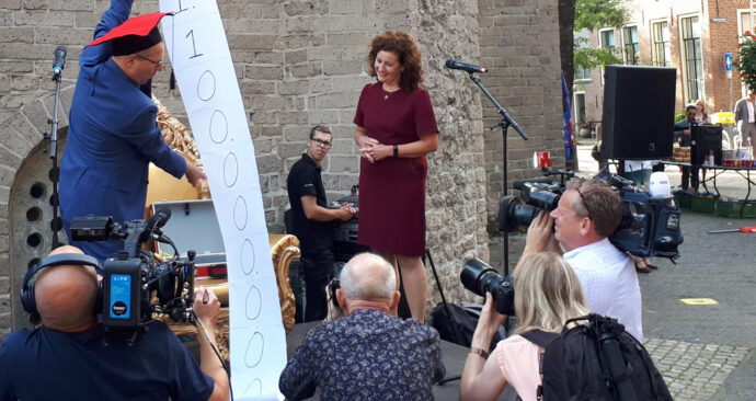 rens bod woinactie ingrid van engelshoven tegenbegroting protest opening academisch jaar – HOP