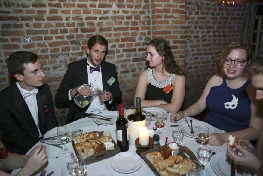 Christian online dating huijauksia