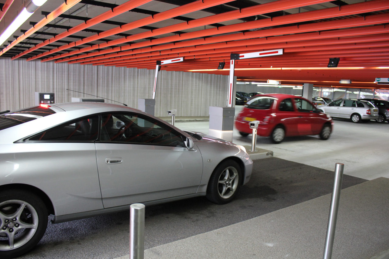parkeergarage blikseminslag buiten werking Erasmus Plaza (6)