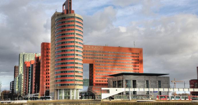 observerend-onderzoek-rechtbank-rood-foto-frans-schouwenburg