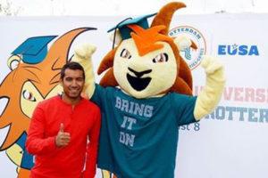 mascotte-Roffa-Erasmus-Sport-met-Giovanni-van-Bronckhorst