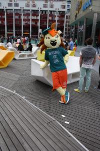 mascotte-Roffa-Erasmus-Sport-op-het-schouwburgplein