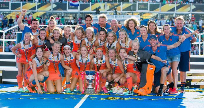 hockeysters-wereldkampioen-tegen-Ierland-in-Londen-KNHB-Koen-Suyk
