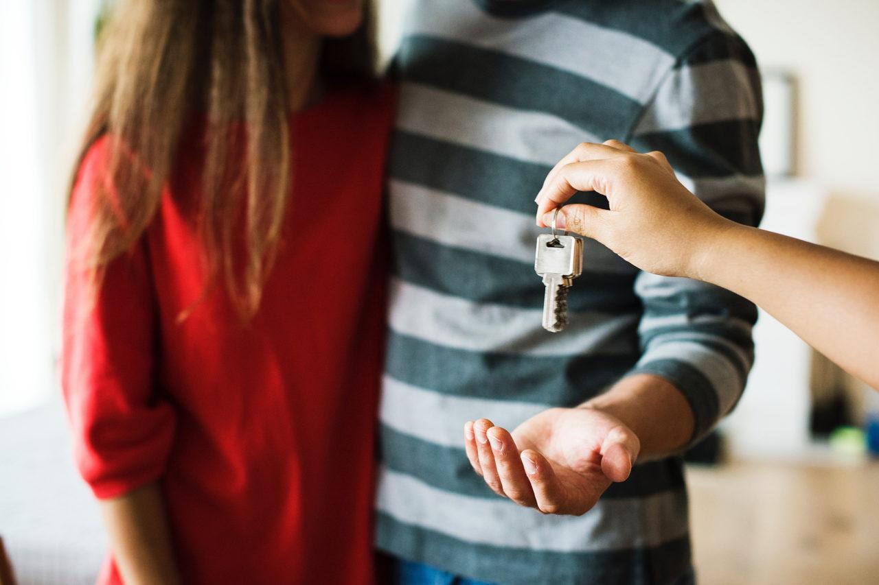 Koppel koopt een huis