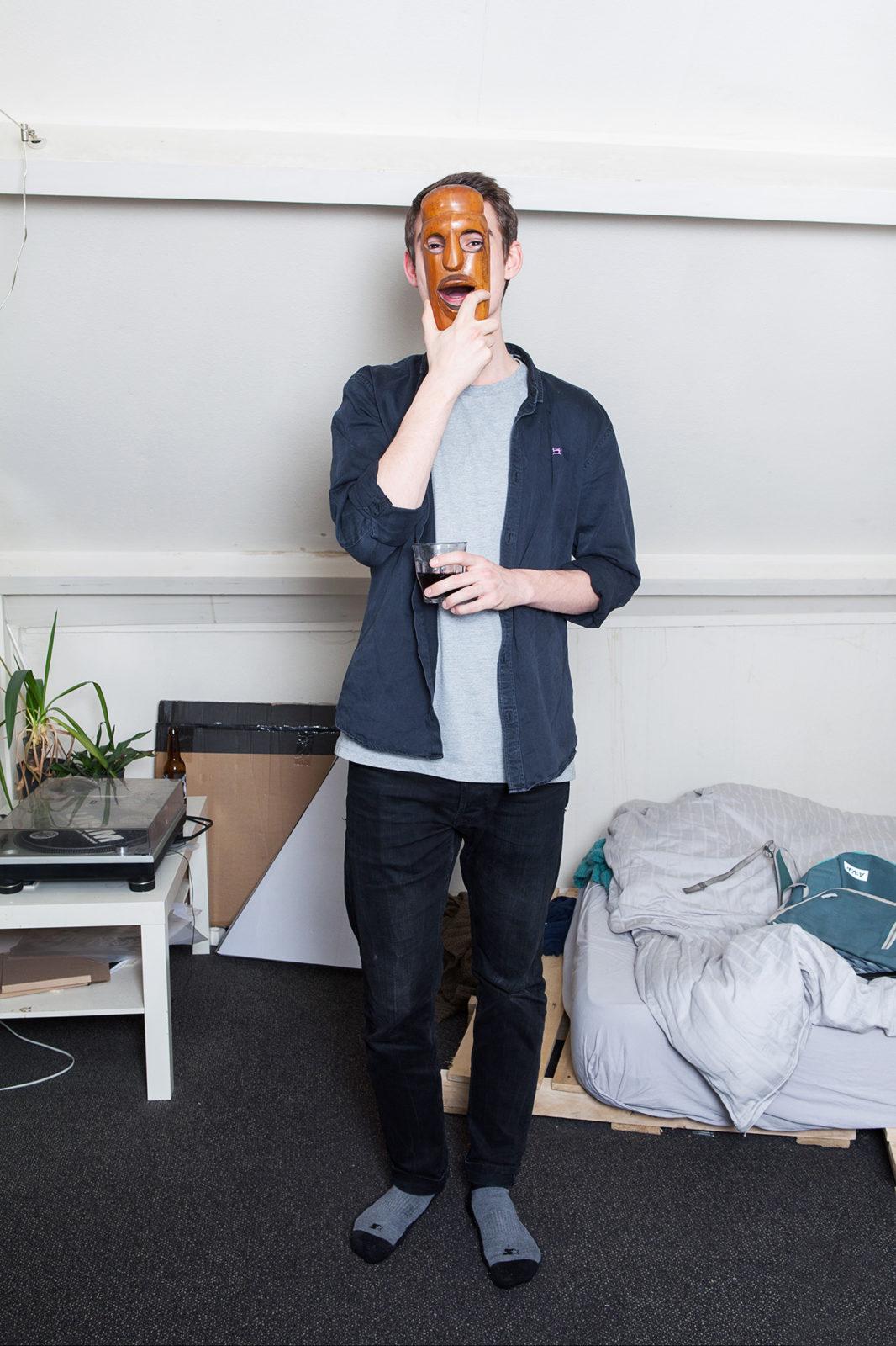 Lukas-Ries-with-mask-Geisje-van-der-Linden