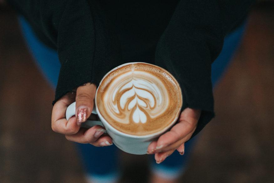 koffie-foto-Tyler-Nix-Unsplash-875×583