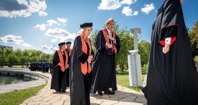 cortege opening academisch jaar 2019 foto ronald van den heerik (53)