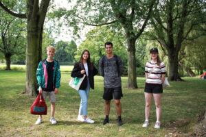 eurekaweek dinsdag picknick erasmusbrug identity crisis foto Milena Chopova (13)