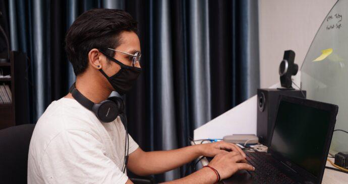 Unsplash_Yogendra Singh_laptop_thuiswerken _college