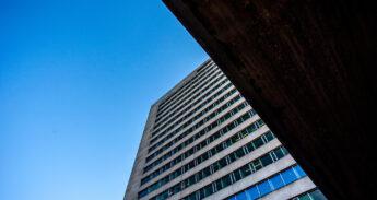 Tinbergengebouw-door-Chris-Gorzeman