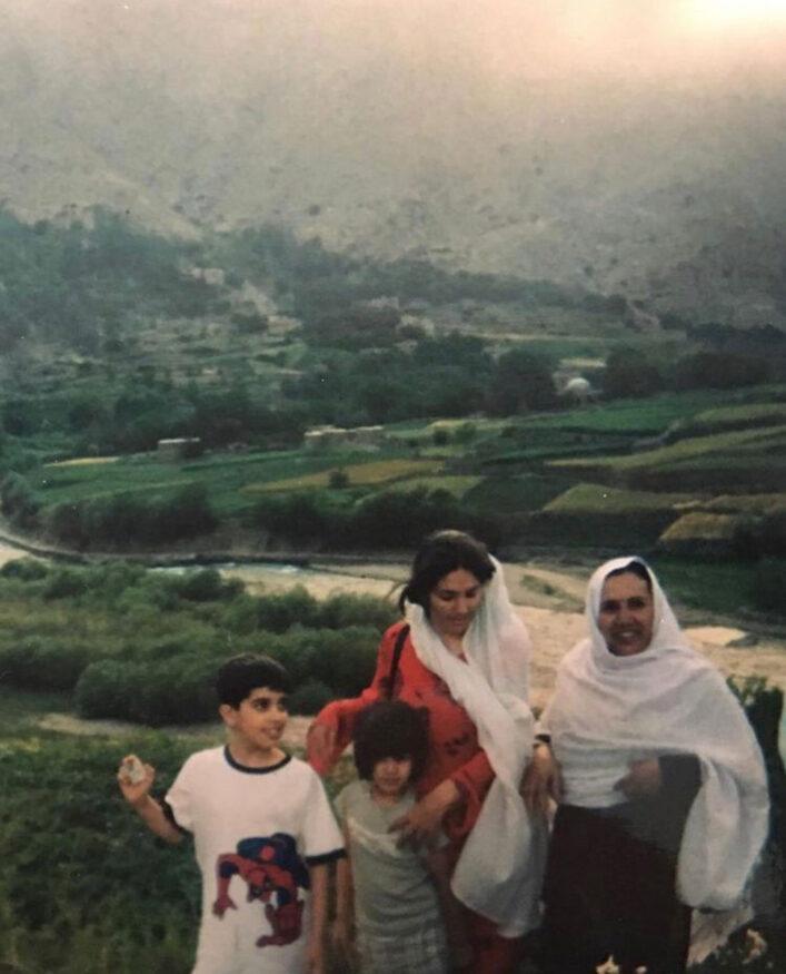Farog met ouders en zusje in Afghanistan – eigen archief